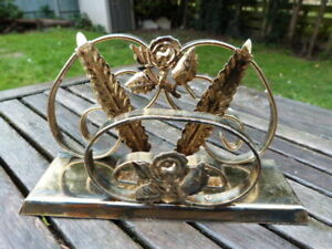 LOVELY VINTAGE RETRO GILT METAL DESK TOP LETTER RACK HOLDER.