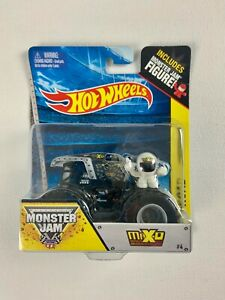 "Hot Wheels Monster Jam Truck ""Max-D"" 2013 #4"