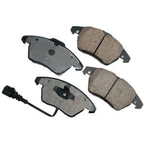 Front Brake Pads For AUDI VOLKWAGEN A1 A3 TT Beetle Bora CC EOS GOLF