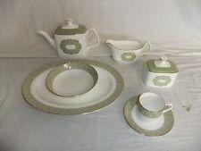 C4 en porcelaine anglaise Porcelaine Fine Royal Doulton-Sonnet-Vaisselle 3D7C