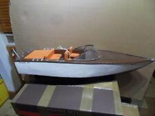 Maquette flottante bassin bateau vedette canot RC floating boat PONCELET 835