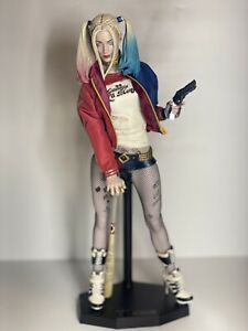 """Harley Quinn  Suicide Squad  16"""" 1/4  Scale Collectible Figure"""