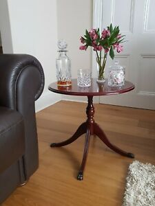 Vintage Regency Style Mahogany Round Side Lamp Coffee Wine Table with Claw Feet