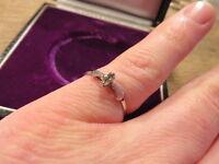 Bezaubernder 835 Ring Silber Solitär filigran Zirkonia wie Diamant Designer