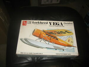 Lockheed Vega Alaskan Air Transport Float Plane from 1930s - AMT - 1/48 scale