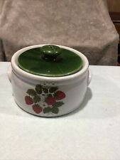 """1980 Vintage McCoy Pottery """"Strawberry Country"""" Round Casserole Bean Pot #1421"""