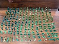 1960s Lot of over 200 Vintage GREEN ARMY MEN ~ Battlefield Playset Soldiers