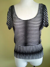 Ladies Black & White Stretch Knit Blouse Top Cap Sleeve Crossroads Size XS (8)