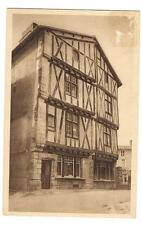 lusignan  maison de bois du XVe siècle