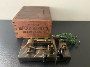 """Antique MECOGRAPH CO. CLEVELAND Telegraph Key with Box - """"TIGER STRIPE"""" Finish"""