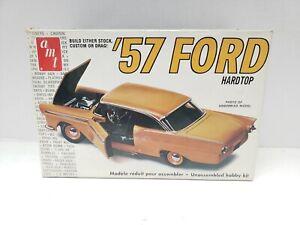 AMT 1957 Ford Hardtop 1/25 Vintage Model Kit