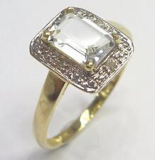 LADY 10KT YELLOW GOLD AQUAMARINE & DIAMOND RING  SIZE 7   R968