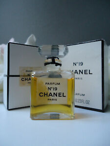 CHANEL No19 PARFUM 7ml Priceless Vintage 1970s New NOT Sealed Nr Mint Bottle Box