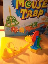 Mouse Trap 1999 Game PARTS BASE A + GEAR SUPPORT + GEAR 3,5 +CRANK + RUBBER BAND