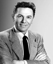 John Garfield UNSIGNED photo - H6687 - HANDSOME!!!!!