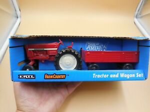 VINTAGE 1970 ERTL FARM COUNTRY 1/32 SCALE INTERNATIONAL TRACTOR AND WAGON SET