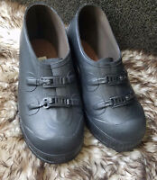 Mens LaCrosse Traction Rubber Shoes 8 Black - Extremely NICE!