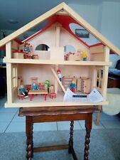 Goki  Puppenhaus 2 Etagen, Kinderspielz., Holz mit Möbeln und Puppen, gebraucht
