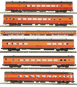 MTH Electric Trains 8-Car Passenger Set HO Scale 2008 Release