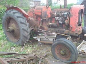 Nuffield Tractor DM4 Universal BMC 3.4 engine vintage Bell housing Flywheel cove
