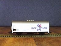 TRIX HO - 23876 - DB  HACKER-PSCHORR BRAU Beer Wagon (4 Wheel )
