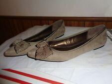 Ann Taylor Loft  Ballet Flats Shoes  Sz 9 1/2 Fancy Beaded Bow TAN