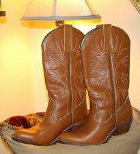 Vintage Womens Frye Boots / 6B