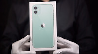 Apple iPhone 11 4G 128GB Unlocked Mobile Phone Green Boxed - 'The Masked Man'
