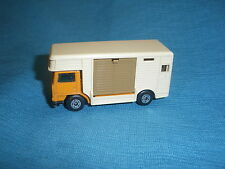 176B Matchbox Superfast 40 Horse Box Camion Van Bedford