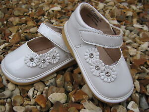NEW Girls White Patent Shoes Squeaky Fun Kids Shoes Leather Flowers Special 6 8F