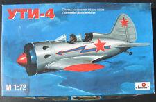 Amodel 7231 - UTI-4 - 1:72 - Flugzeug Modellbausatz - Model Kit