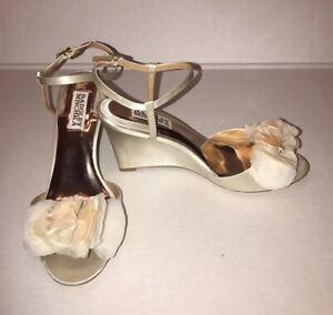 Badgley Mischka Off White Satin Wedding Wedges Heels With floral detail sz 7.5