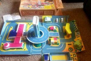 Vintage 1973 Matchbox City Play Set Die Cast Toy Car Carry Case Lesney with box