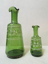 2 anciennes carafes vases en verre vert decor emaillé de fleurettes epoque 1900