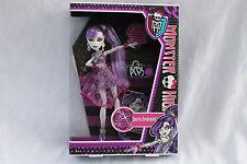 Monster High Spectra Vondergeist Dance Party doll Mattel X4528 X4531 OVP