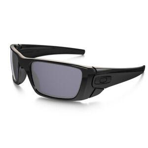New Oakley Fuel Cell Polarized sunglasses Matt Black Frame Grey Lens OO9096-05