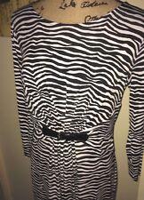 MICHAEL MICHAEL KORS BLACK & WHITE ZEBRA STRIPED KNIT DRESS, BUCKEL DETAIL, MED.