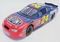 Action Jeff Gordon #24 DuPont 2001 Monte Carlo NASCAR DieCast 1:24