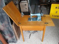 Vintage Morse Toyota Deluxe 200 Precision Sewing Machine Japan in Wood Table