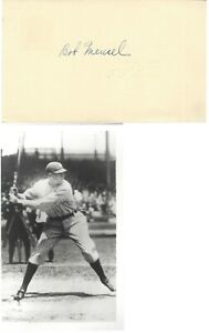 BOB MEUSEL, 1923,27,28 NEW YORK YANKEES W.S. CHAMPS., SIGNED GPC WITH PHOTO