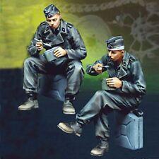1/35 Resin WWII German 2 Soldiers Eating unpainted unassembled BL203