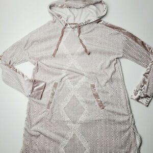 Vera Bradley Women's Small Pullover Hoodie Pajama Long Sweatshirt Geo Print Soft