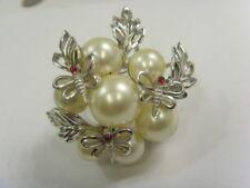Crown Trifari C 1950s bold statement pearls cluster butterflies brooch 50091