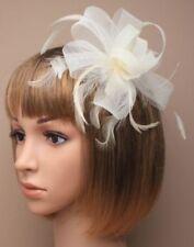 Accessoires de coiffure blancs en plumes pour la mariée