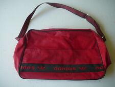 sac vintage bag Adidas besace toile  rouge porté épaule