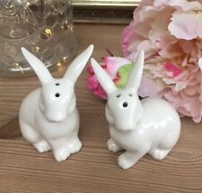 New Gisela Graham White Ceramic Sweet Bunny Rabbit Salt & Pepper Shakers BNIB