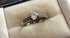 Beautiful Ladies Stamped Vintage 18ct Gold & Platinum Diamond Solitaire Ring