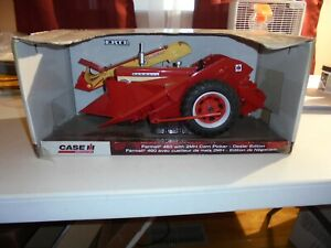 Case IH Ertl Farmall 460 w/2 MH Corn Picker
