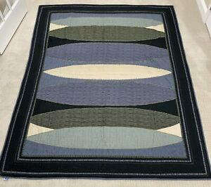 Pottery Barn Teen Blue Green Black Beige Twin Quilt Reverses to solid Navy