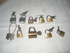 Lot de 10 cadenas anciens. TBE.